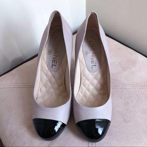CHANEL Shoes - NEW CHANEL Cap Toe Mosaic High Heel